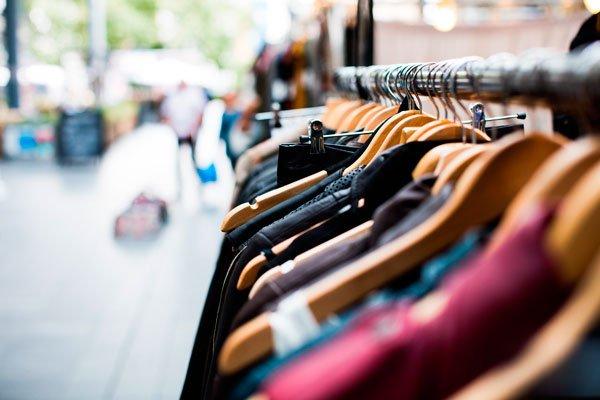 La compra compulsiva también es bien conocida, y consiste en una necesidad irresistible de adquirir de forma repetida objetos innecesarios